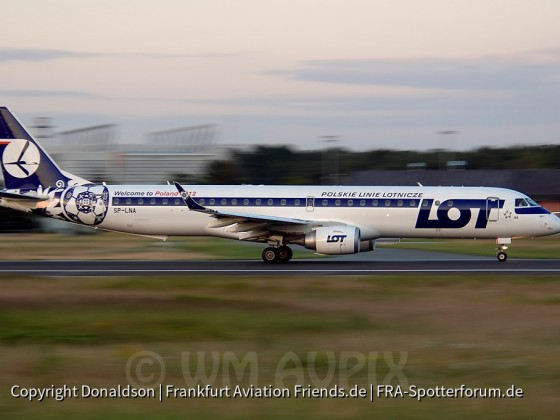 SP-LNA LOT Polish Airlines Embraer ERJ-195